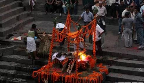 尼泊尔烧尸庙