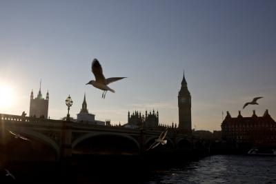 脱欧未决 英政府最新《数字英国战略》引争议-轻语博客